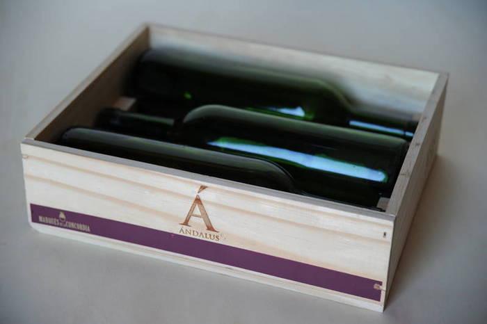 Caja 3 botellas tapa clavada